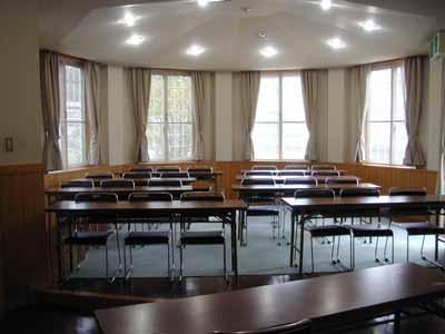 ラベンダー小会議室