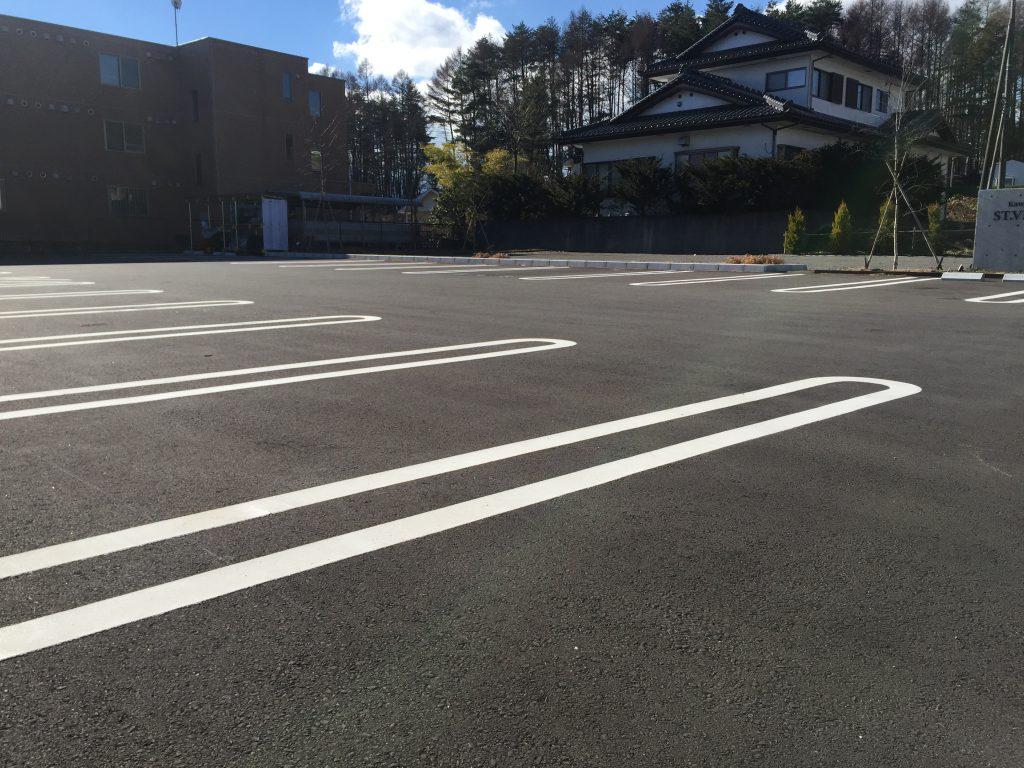 駐車場は最大40台駐車可能