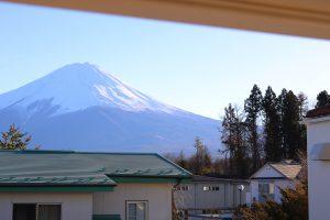 お部屋からは富士山が見えます