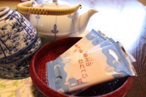 お茶とお菓子でホッと一息